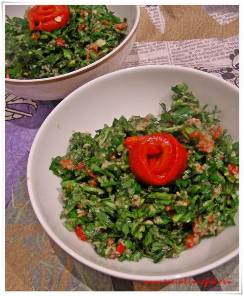 Kırmızı Biberli Maydanoz Salatası